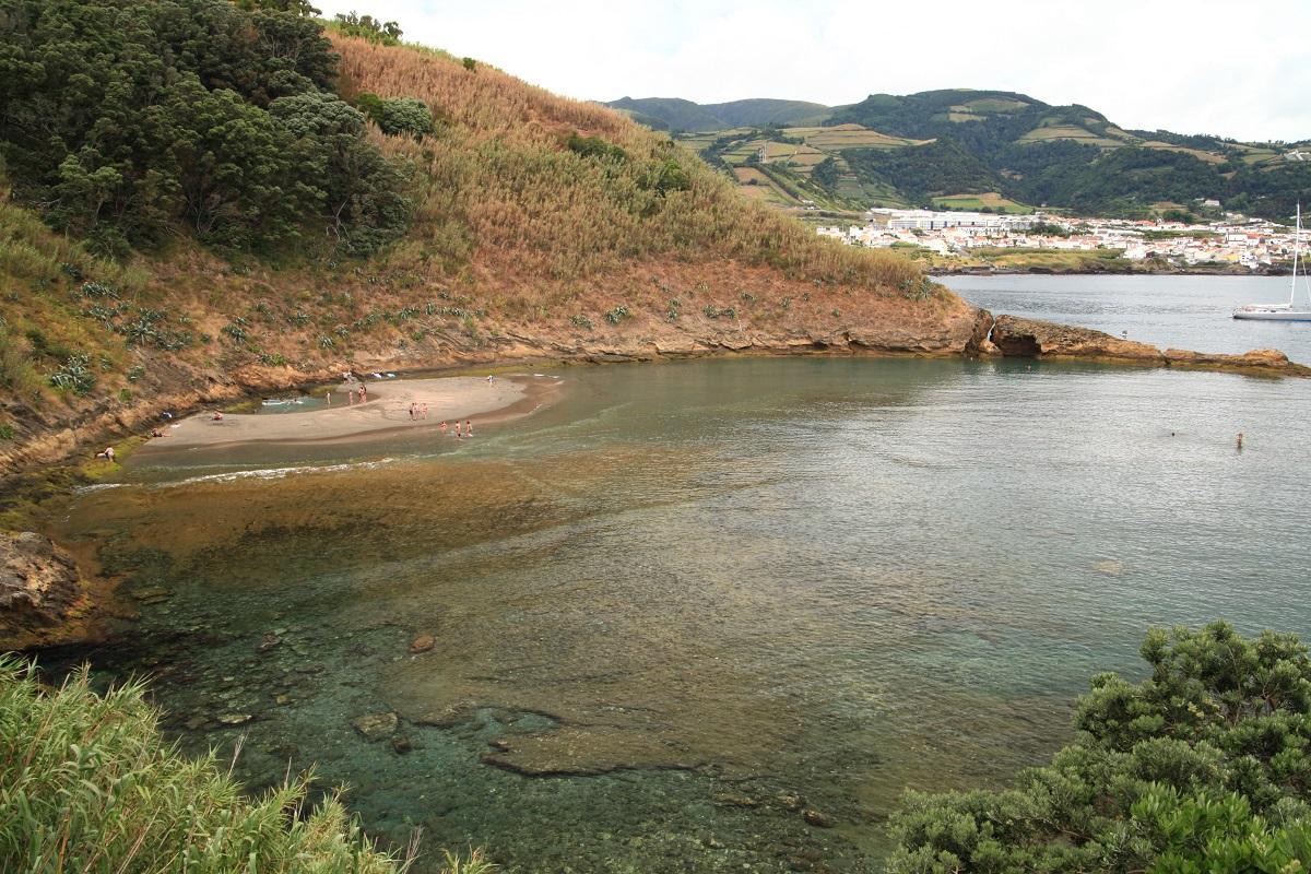 die Bucht der Ilheu da Vila